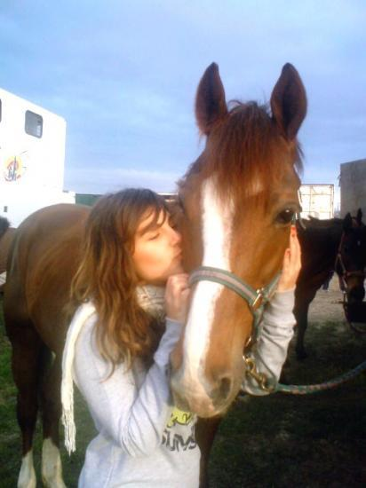 notre mascotte et sa cowgirl